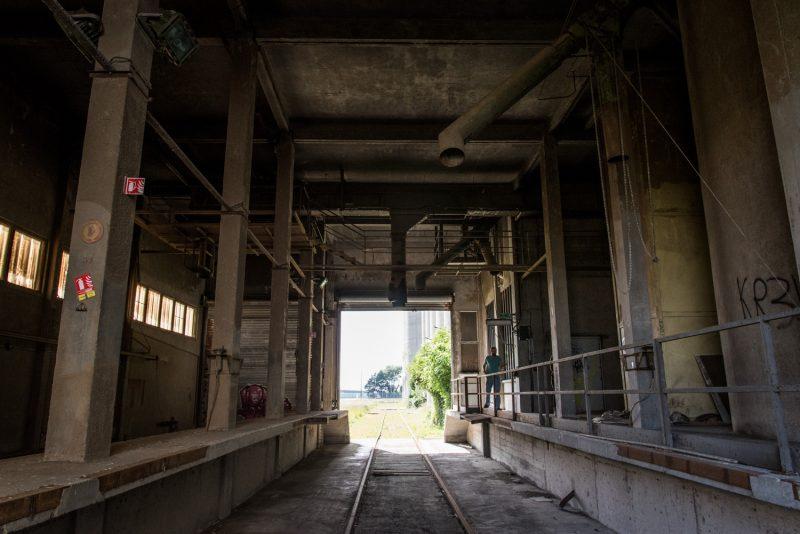 Silos à Grain Désaffectés Sur Les Docks, Le Havre
