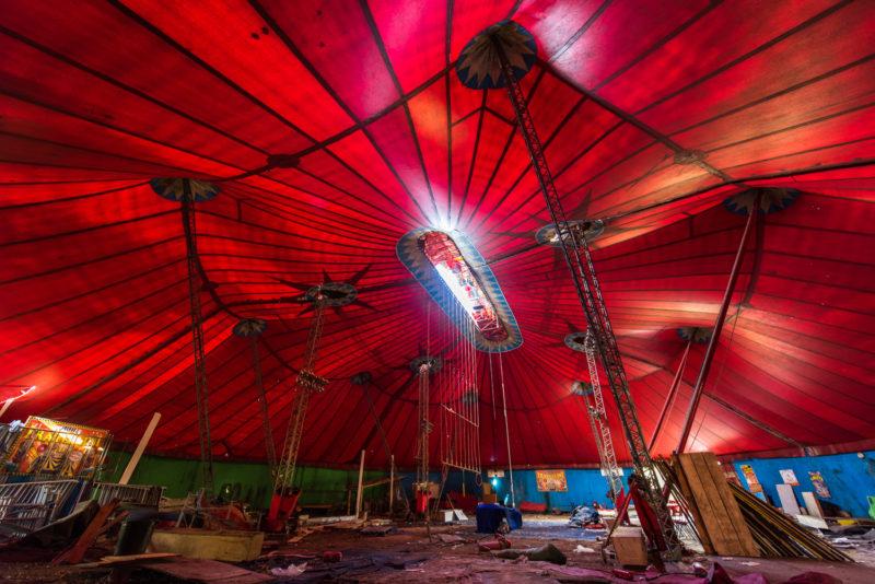 Chapiteau De Cirque Abandonné école Fratellini