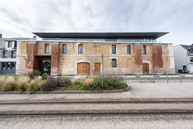 Entrepôts Des Sels De Saint-Valery-Sur-Somme - Travaux De Rénovation Bouygues Bâtiment - Monsieur Et Madame Shoes
